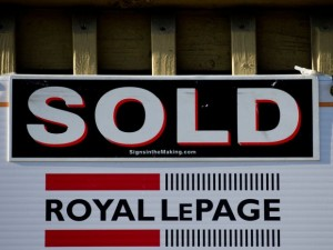 Consult with a Vancouver Mortgage Broker - real-estate-bidding-wars